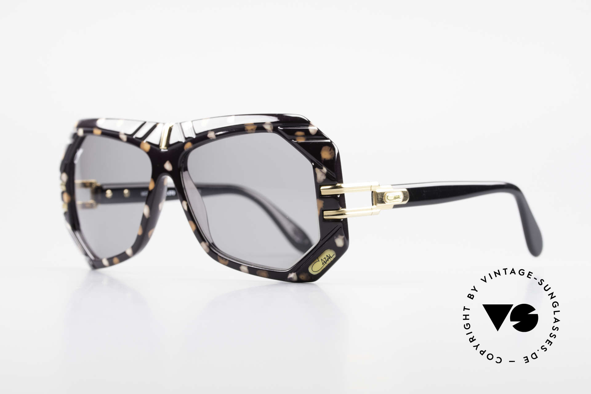 Cazal 868 West Germany Designer Shades, color code 679: white-caramel mottled / black, Made for Men and Women