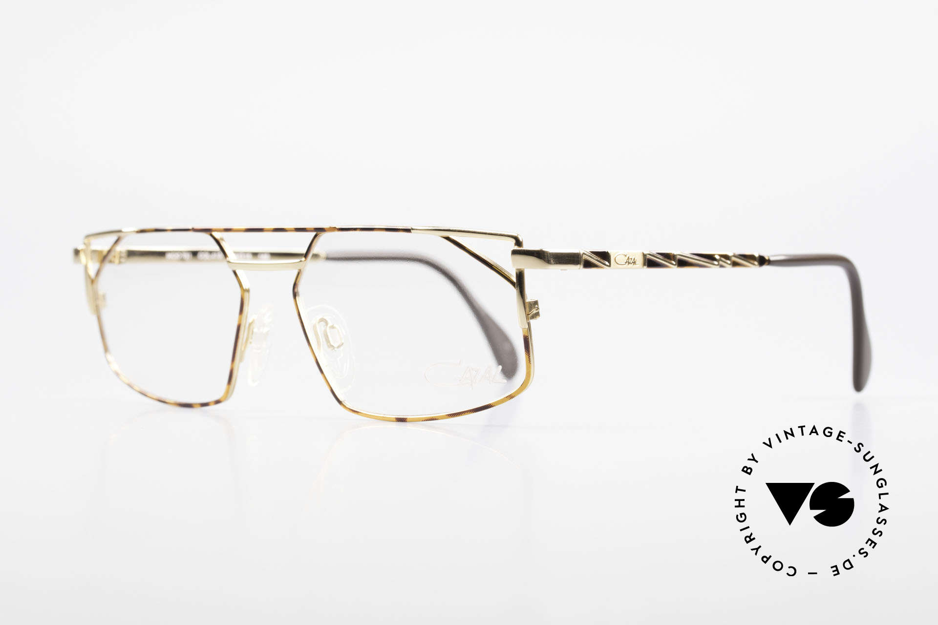 Cazal 751 90's Designer Eyeglasses, tangible premium craftsmanship; made in Germany, Made for Men