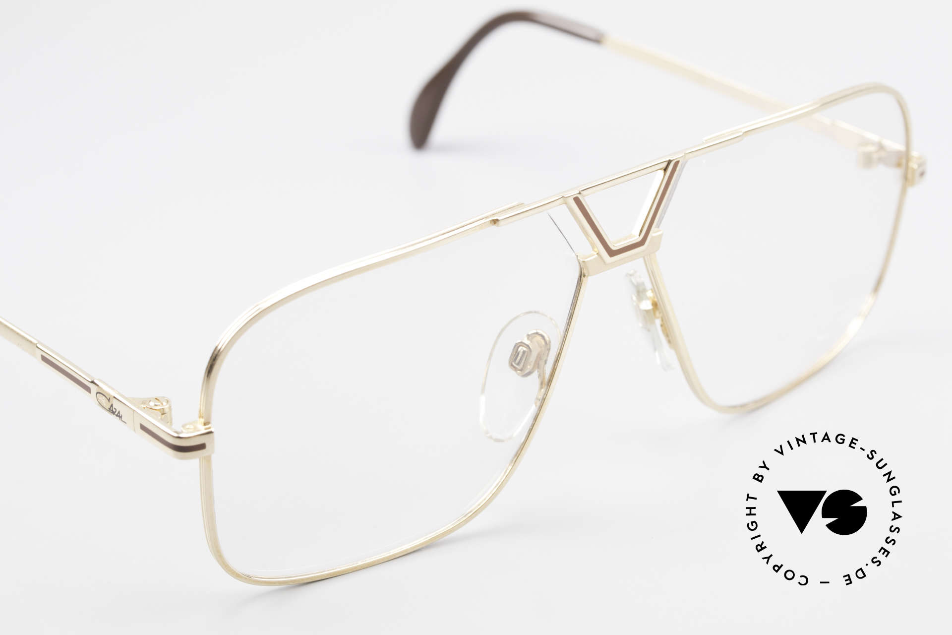 Cazal 725 Rare Vintage 1980's Eyeglasses, precious designer-frame for the elegant gents, Made for Men