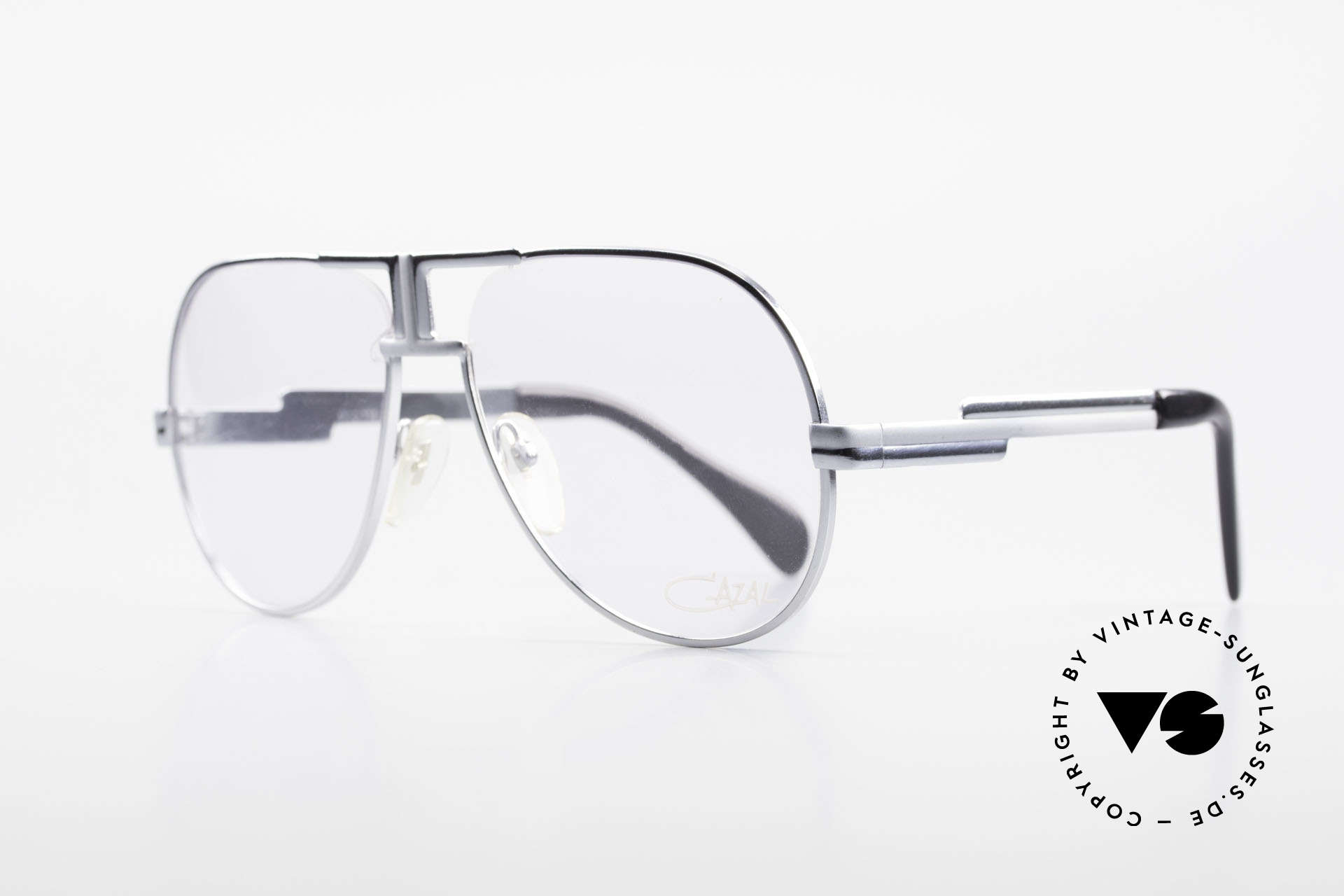 Cazal 702 Ultra Rare 70's Cazal Glasses, unusual and well balanced frame finish, size 58/16, Made for Men