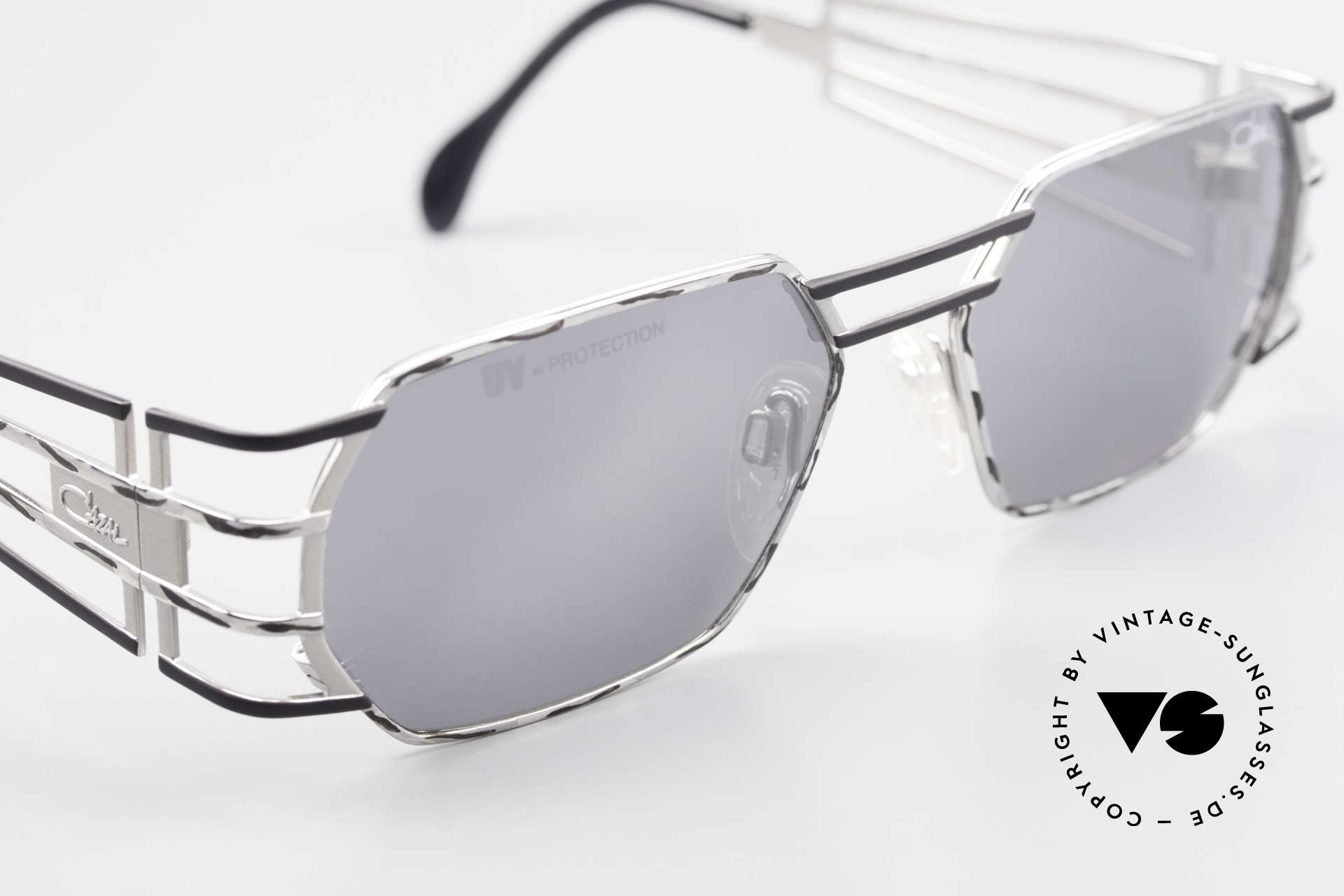 Cazal 980 Mirrored Designer Sunglasses, with high-end Cazal sun lenses for 100% UV protection, Made for Men and Women
