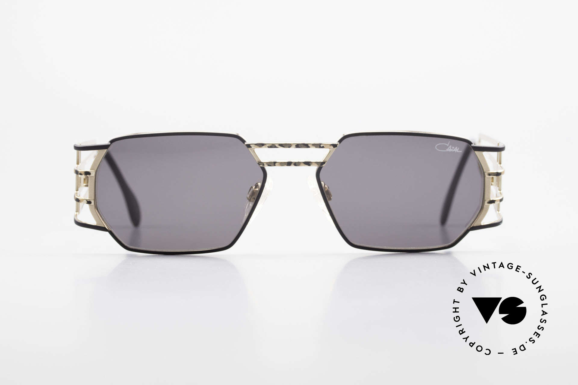 Cazal 980 Rare 90's Designer Sunglasses, angular frame with striking and sophisticated temples, Made for Men and Women