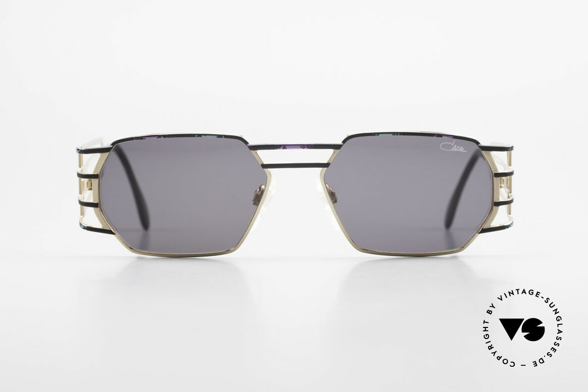 Cazal 980 90's Designer Sunglasses Unisex, angular frame with striking and sophisticated temples, Made for Men and Women