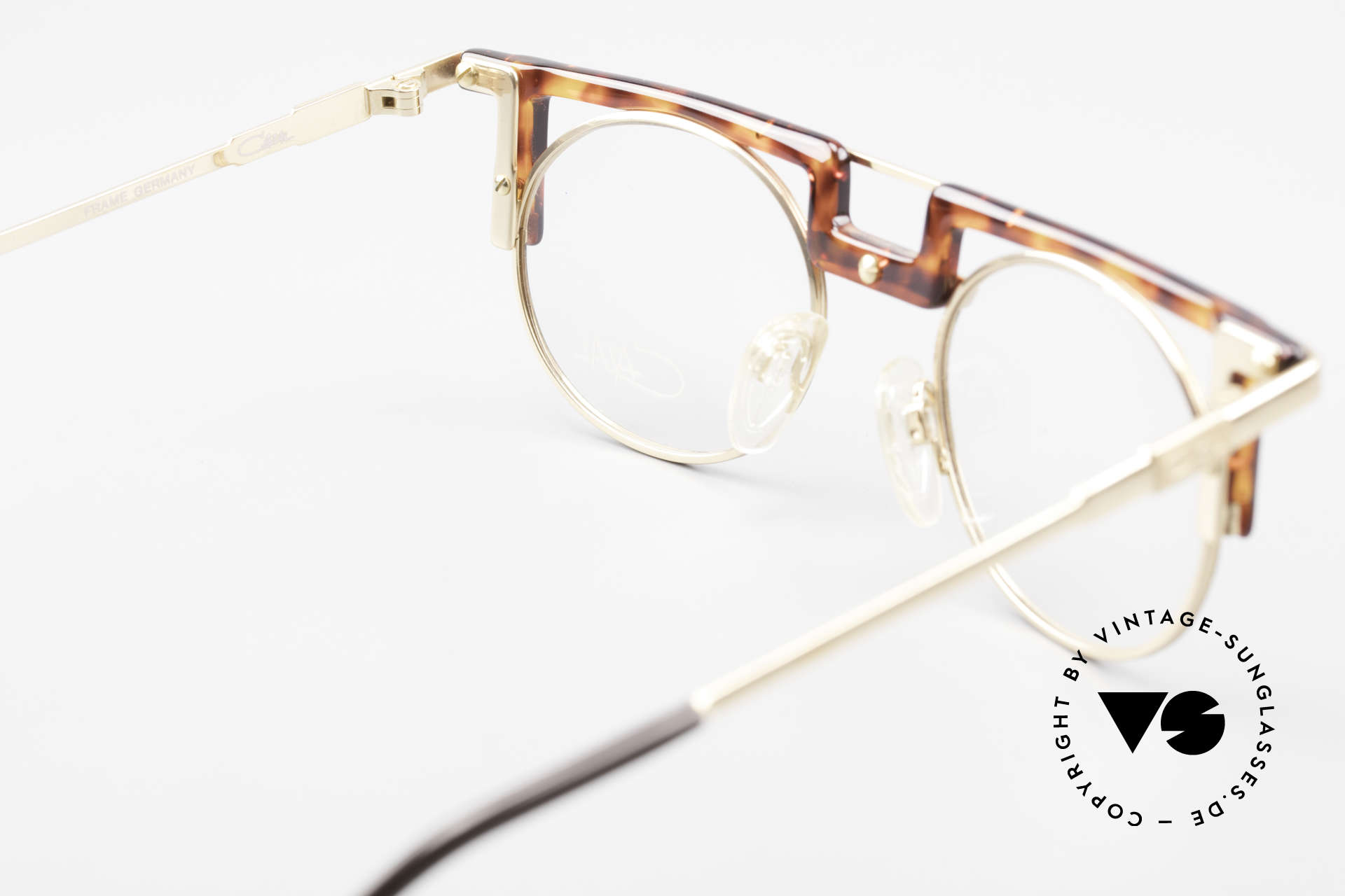 Cazal 745 Old Cazal 90's Eyeglass-Frame, frame is made for lenses of any kind (optical/sun), Made for Men and Women