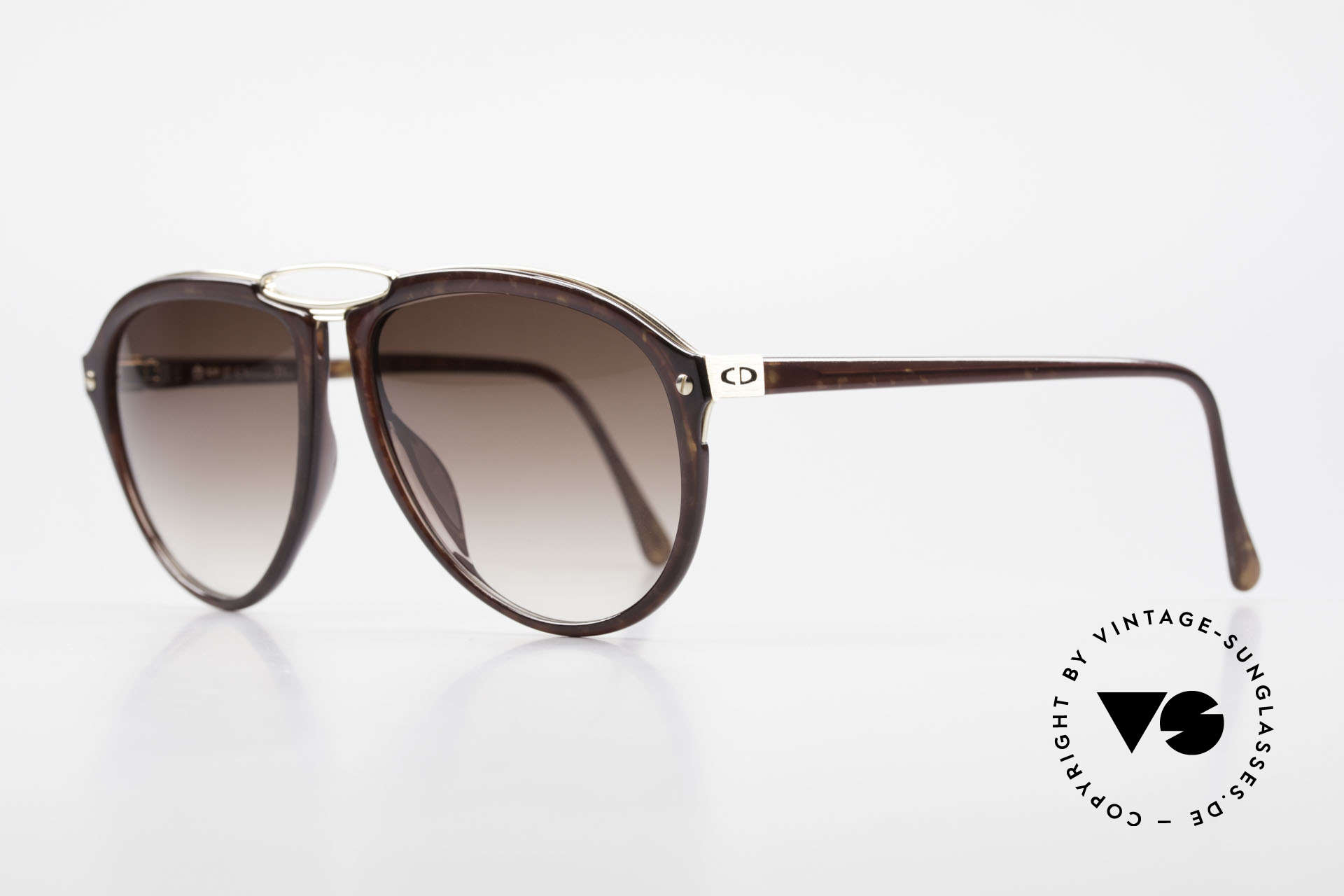 Christian Dior 2523 True 80's No Retro Sunglasses, flexible synthetic (OPTYL) frame with a metal inlay, Made for Men