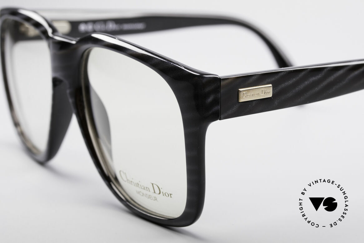 Christian Dior 2295 80's Designer Frame, noble and discreet coloring (a kind of 'black-horn'), Made for Men