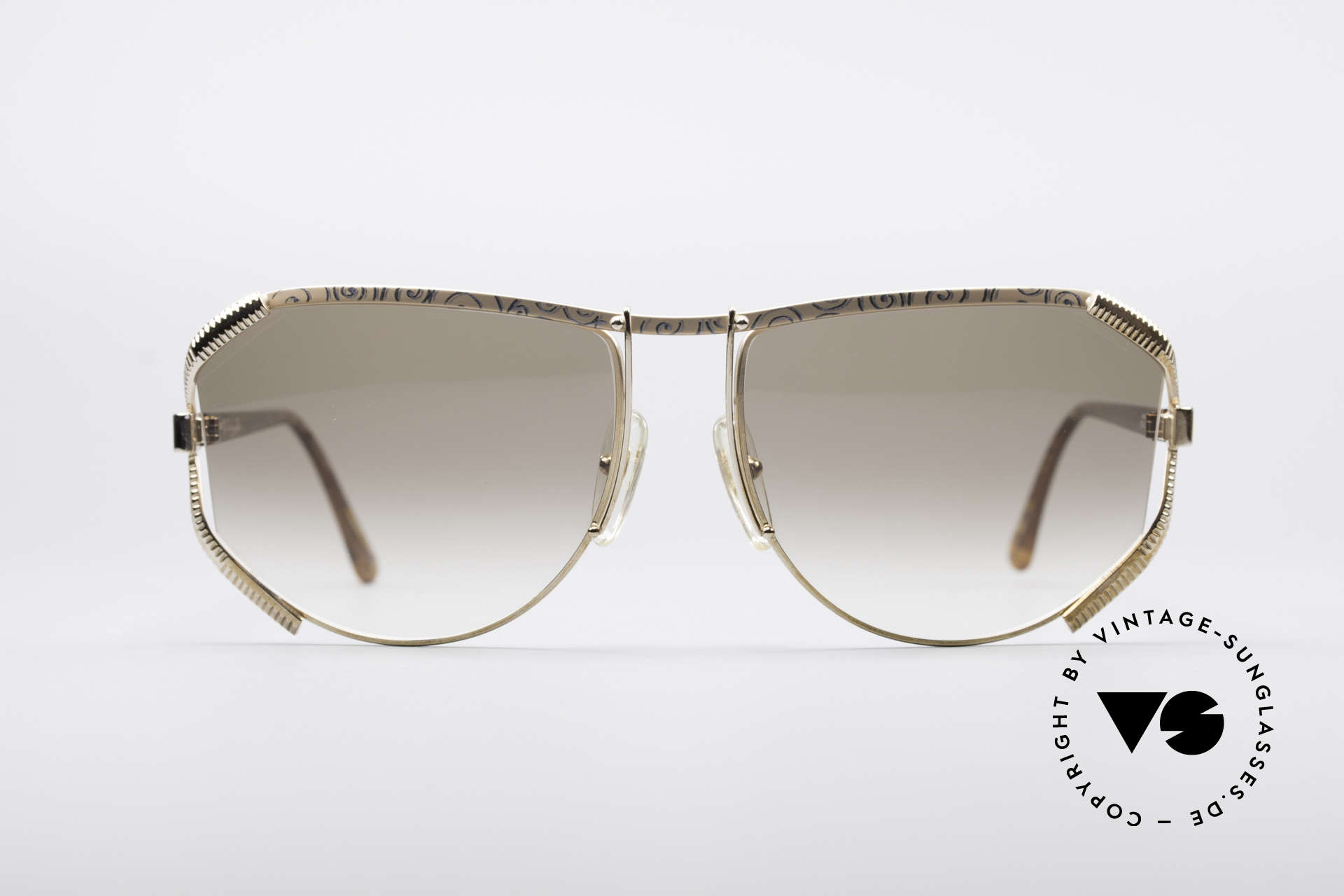 Christian Dior 2609 90's Designer Shades, very sturdy metal frame, meets highest expectations, Made for Women