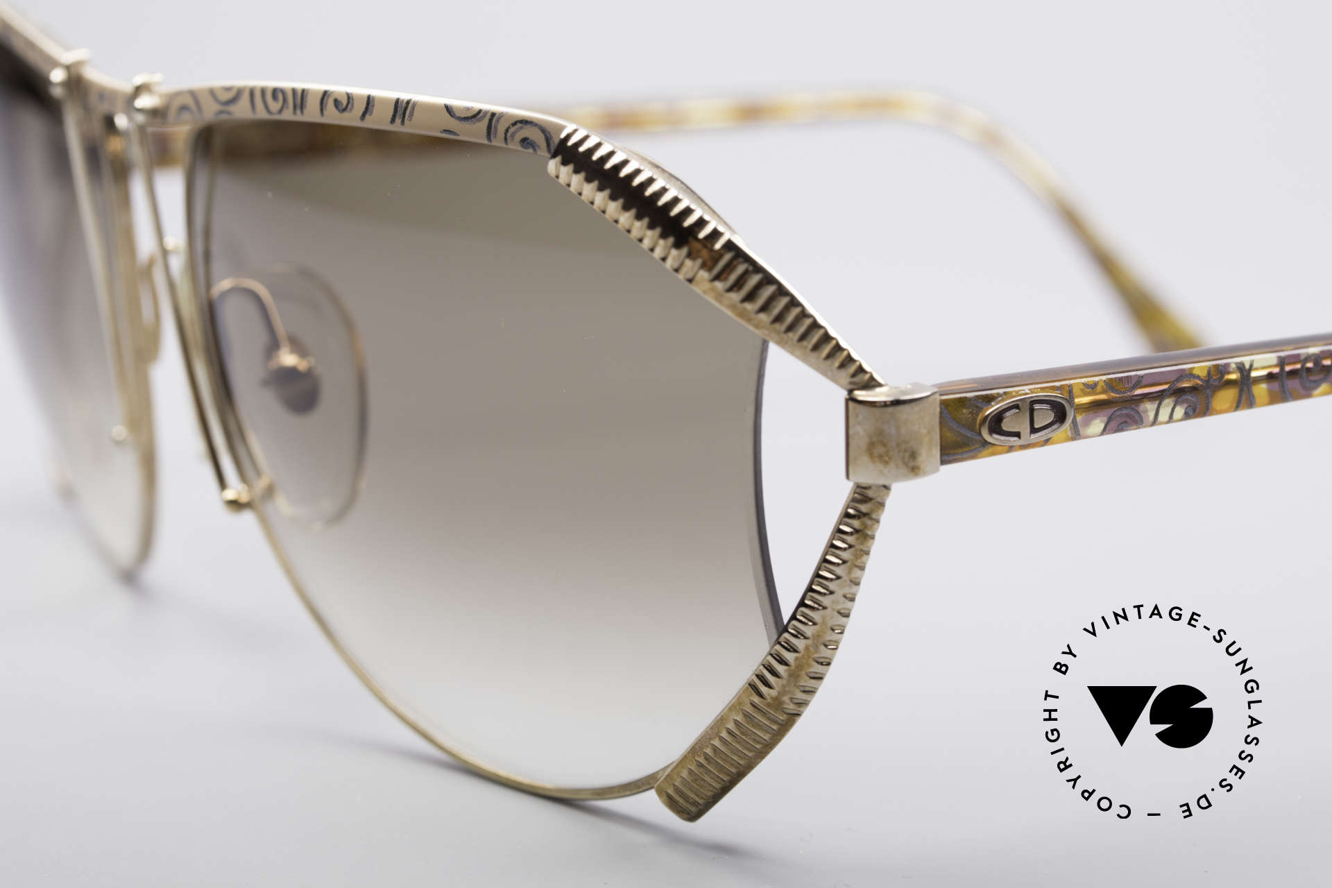 Christian Dior 2609 90's Designer Shades, great frame pattern (love to the detail), see pictures!, Made for Women