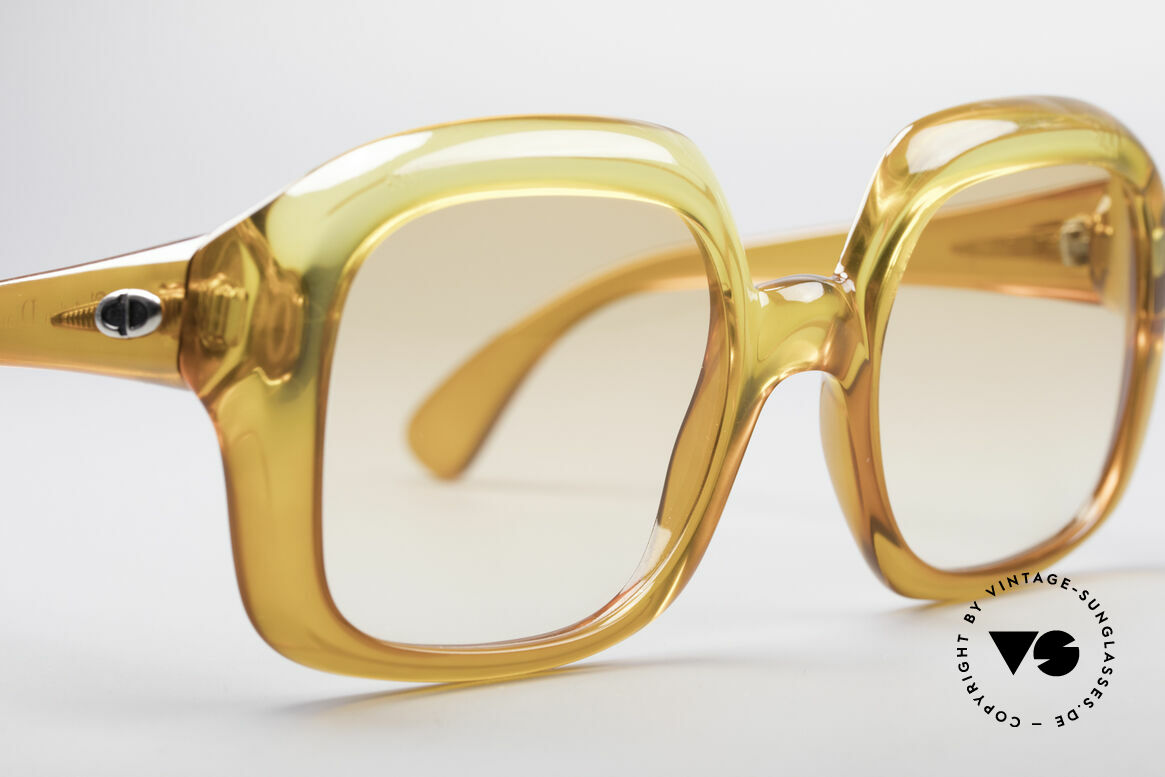 Christian Dior 1206 70's Vintage Frame, frame does not seem to age (shines like just produced), Made for Women