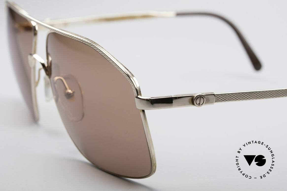 Dunhill 6104 Gold Plated Shades 90's Men, a 'must have' for all lovers of quality and style, Made for Men