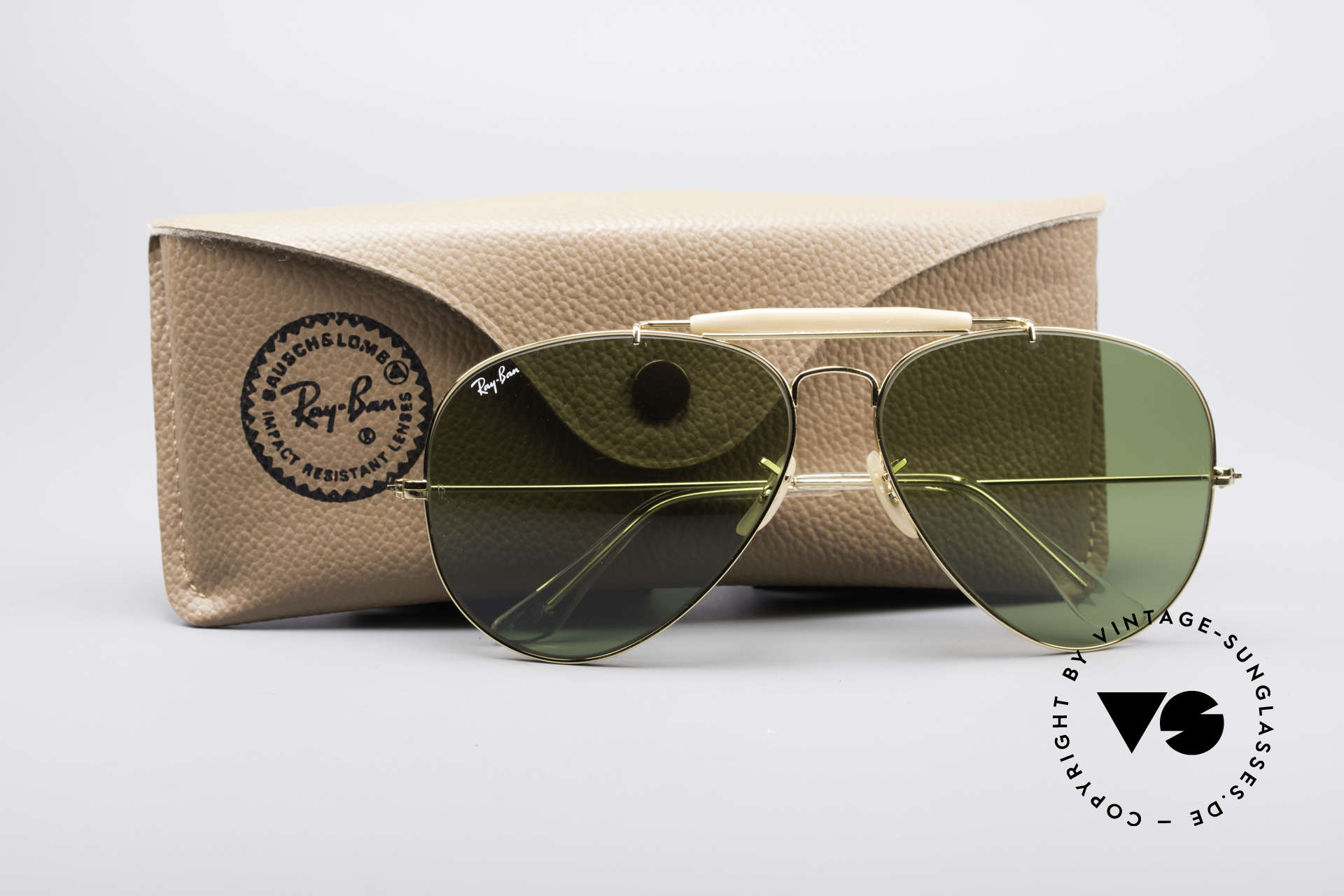Ray Ban Outdoorsman II B&L USA Shades 80's Vintage, never worn (like all our vintage Ray Ban eyewear), Made for Men