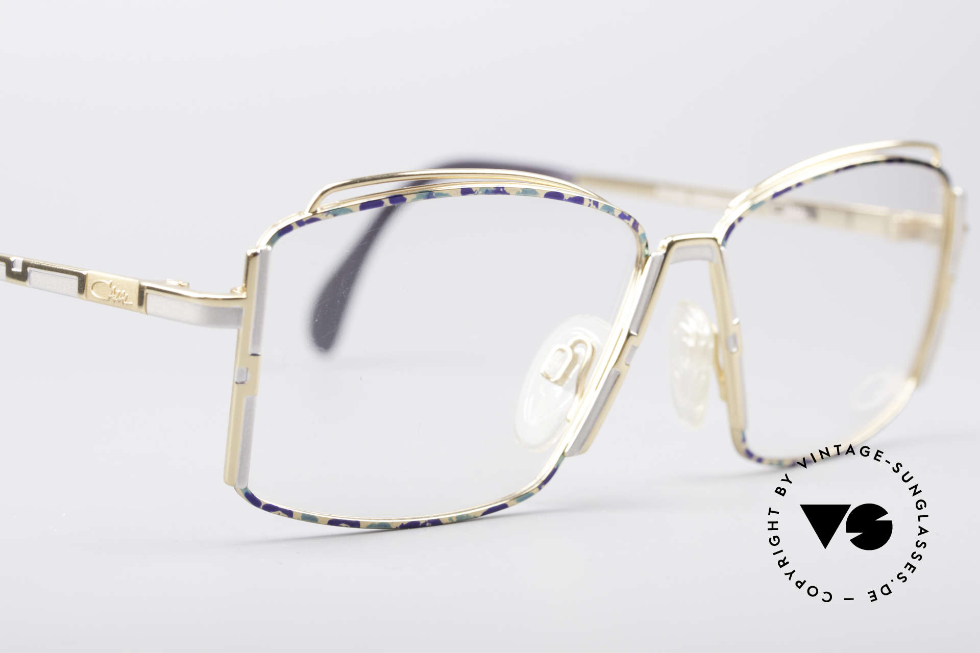 Cazal 264 No Retro True Vintage Frame, never worn (like all our rare vintage frames by Cazal), Made for Women