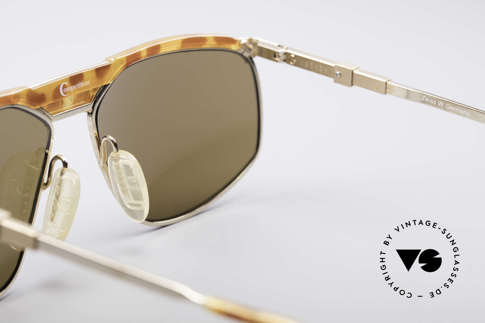 Zeiss 9926 Interchangeable Temples, never worn (like all our rare vintage Zeiss glasses), Made for Men