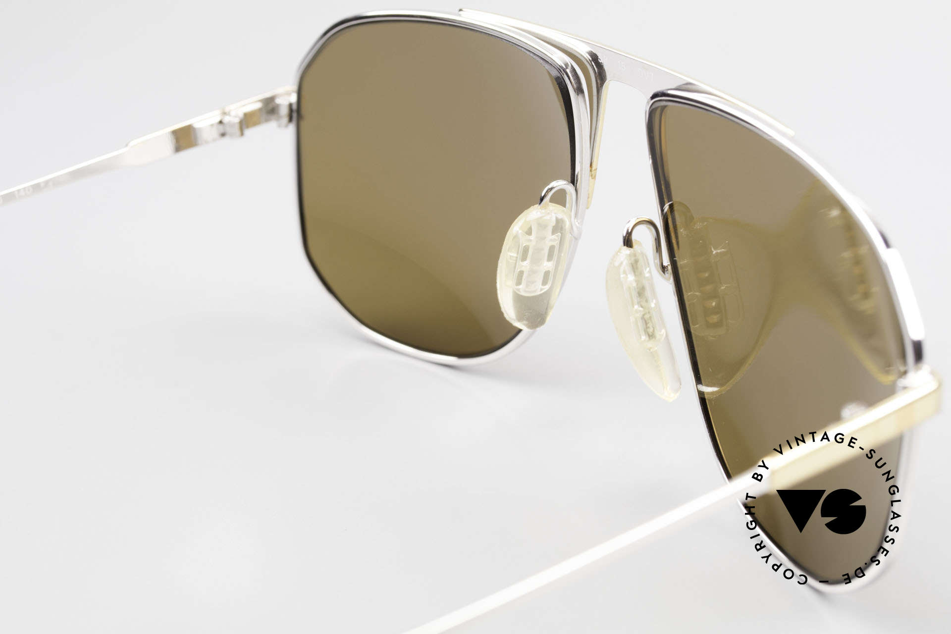 Zeiss 5871 80's Men's Quality Sunglasses, unworn (like all our premium Zeiss vintage sunglasses), Made for Men
