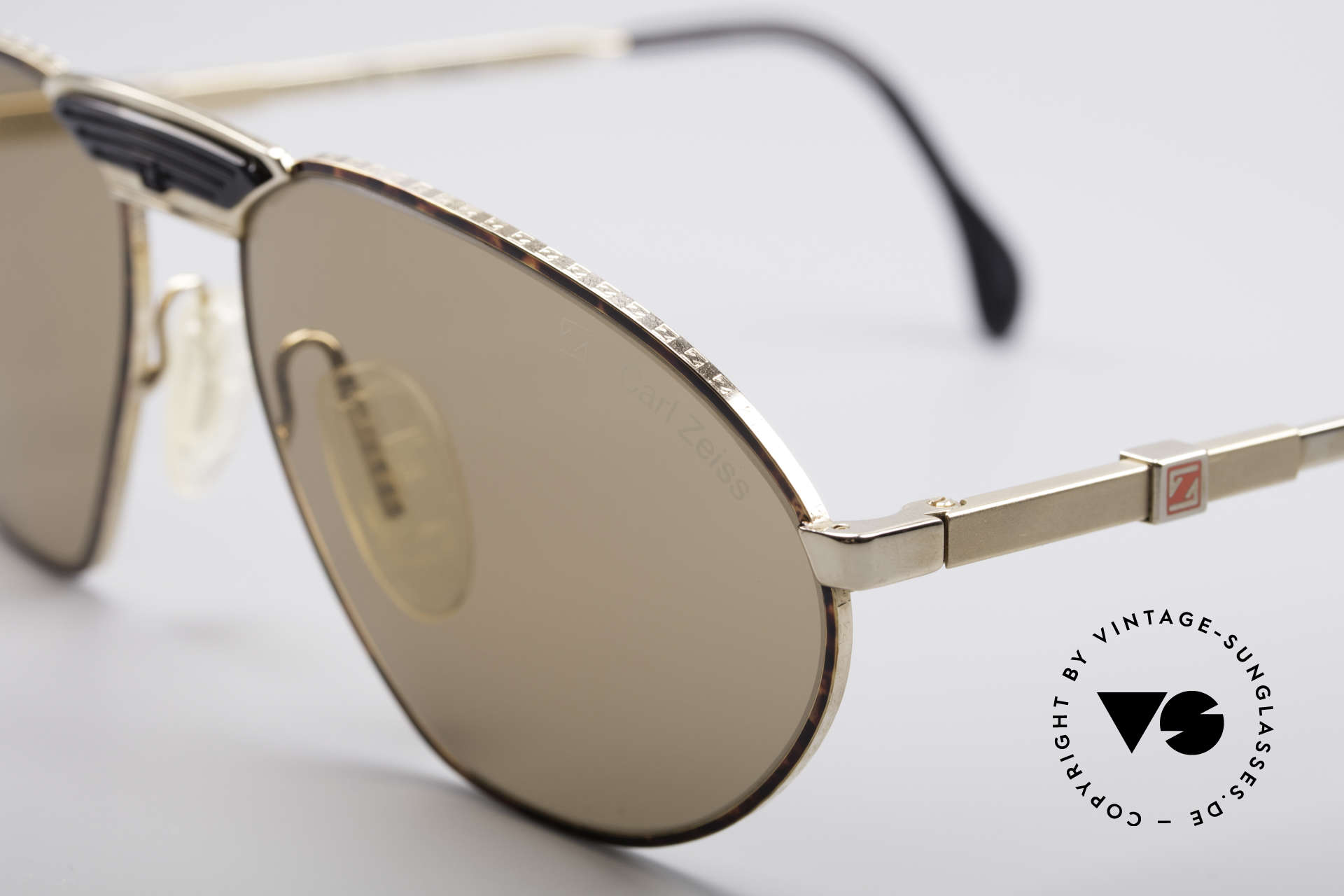 "Zeiss 9927 80's Top Quality Shades, a ""must have"" for all lovers of quality (U must feel it!), Made for Men"