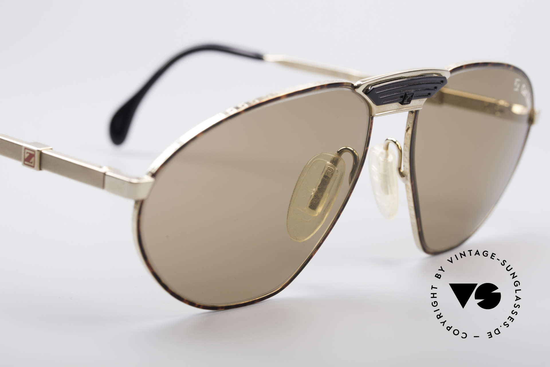 Zeiss 9927 80's Top Quality Shades, never worn (like all our vintage Zeiss 1980's eyewear), Made for Men