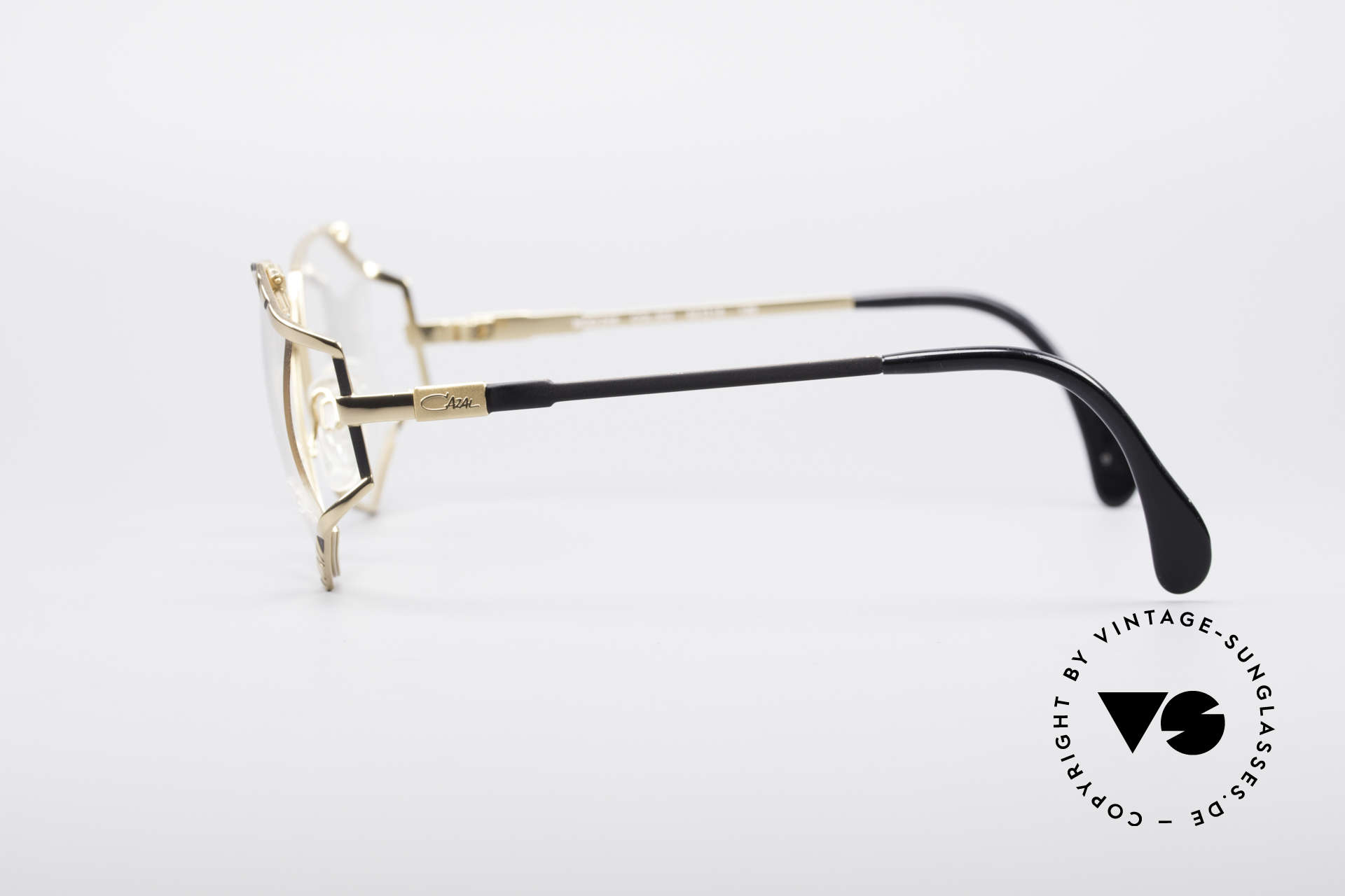 Cazal 245 90's Designer Ladies Specs, marvelous play of colors (black/gold) & pattern, Made for Women
