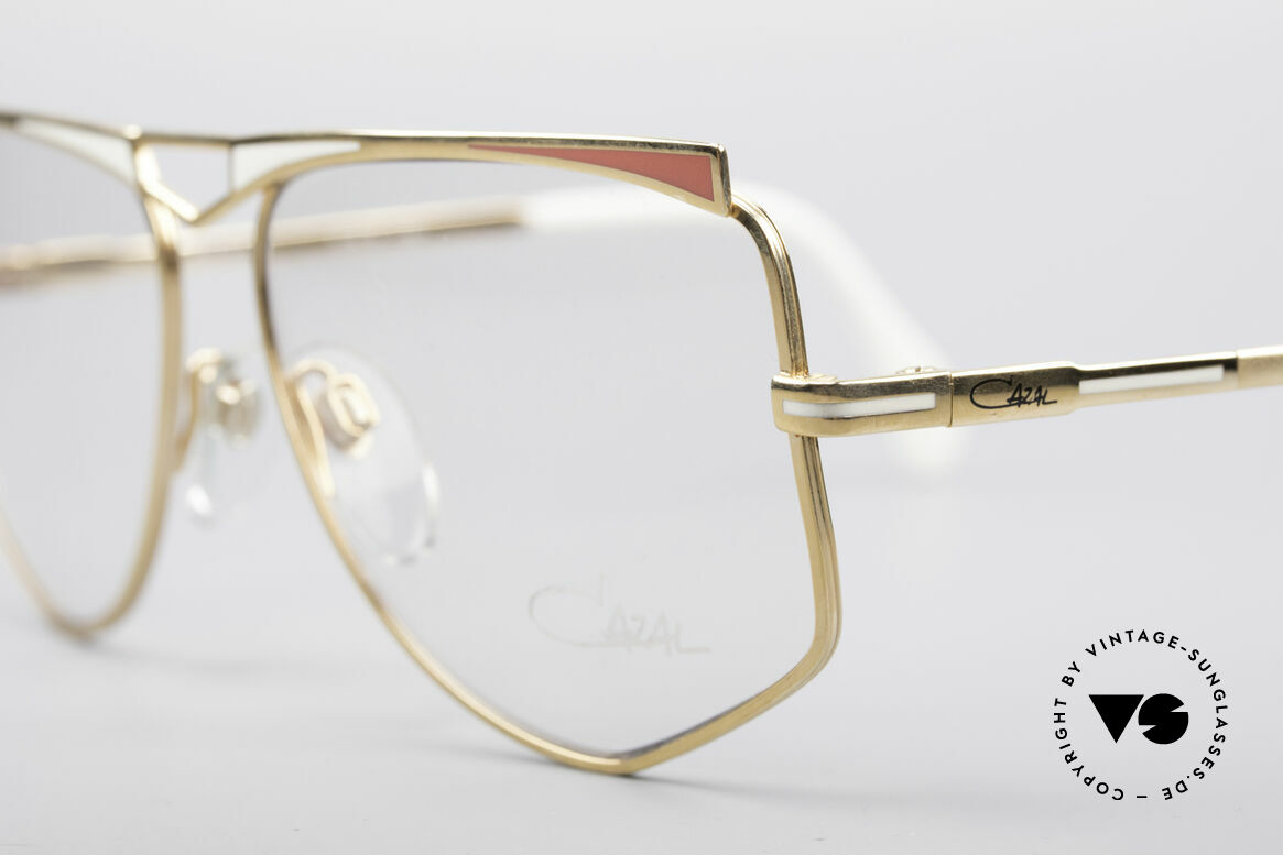 Cazal 227 True Vintage No Retro Frame, never worn (like all our Cazal state-of-the-art eyewear), Made for Women