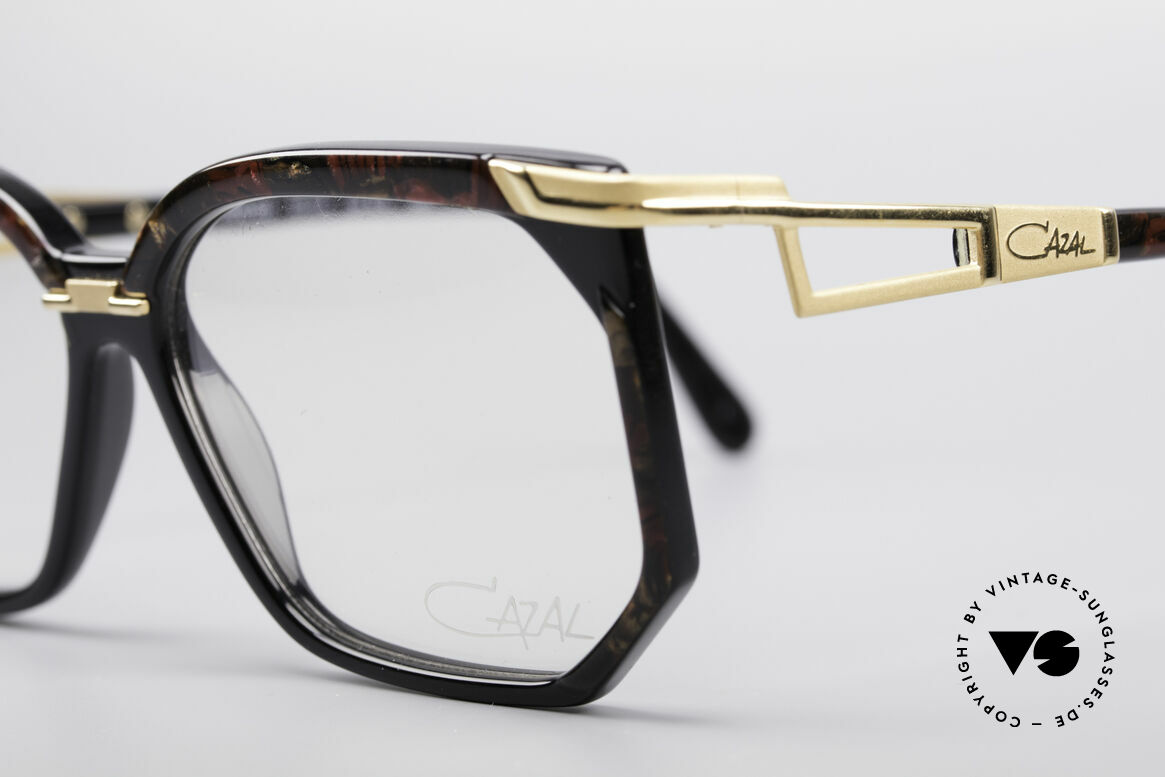 Cazal 333 True Vintage HipHop Frame, never used (like all our rare  CAZAL HipHop eyewear), Made for Men and Women