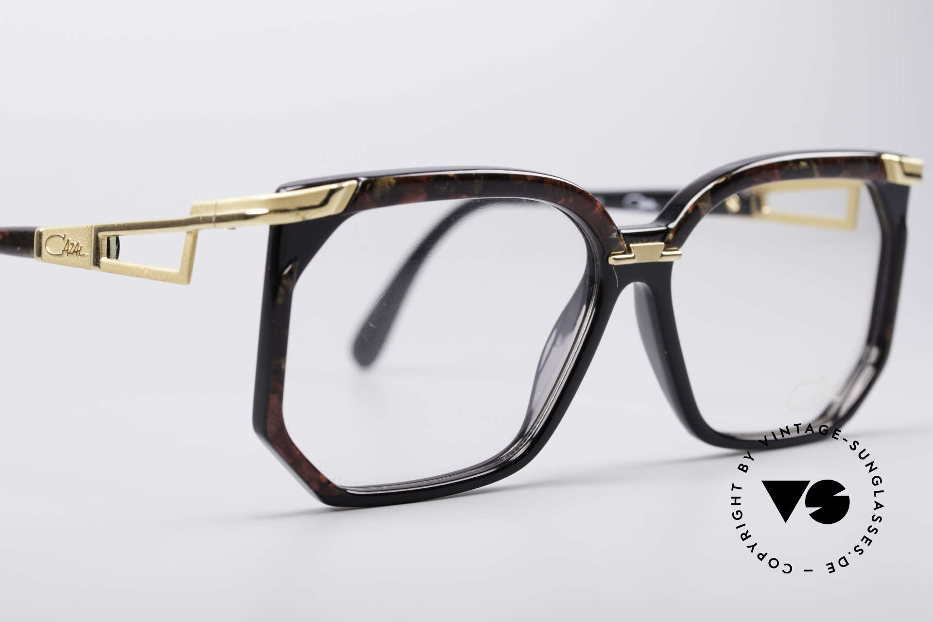 Cazal 333 True Vintage HipHop Frame, clear CAZAL demo lenses can be replaced optionally, Made for Men and Women