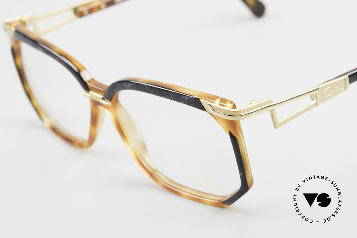 Cazal 333 True Vintage HipHop Frame 90s, never used (like all our rare  CAZAL HipHop eyewear), Made for Men and Women