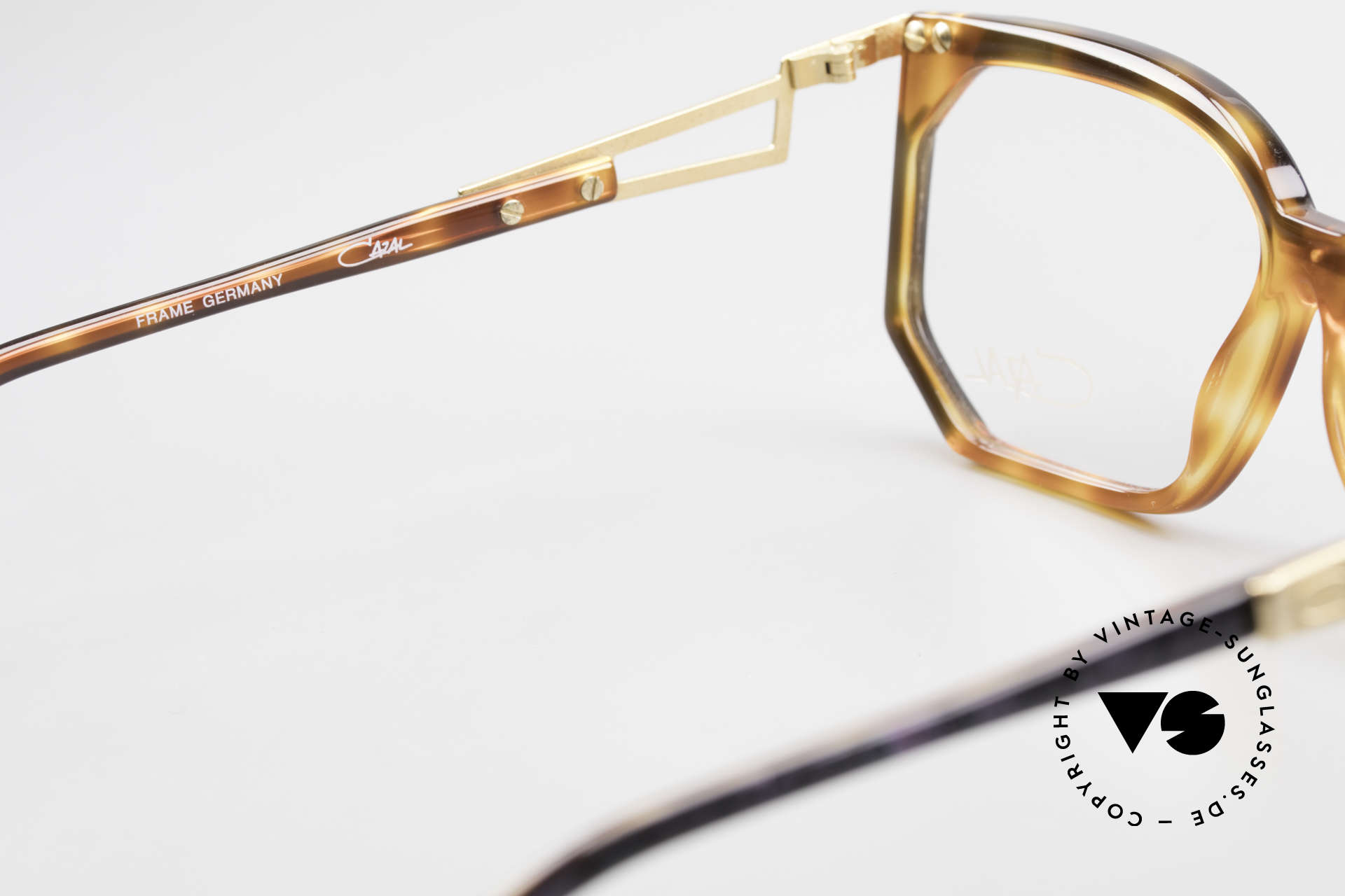 Cazal 333 True Vintage HipHop Frame 90s, clear CAZAL demo lenses can be replaced optionally, Made for Men and Women