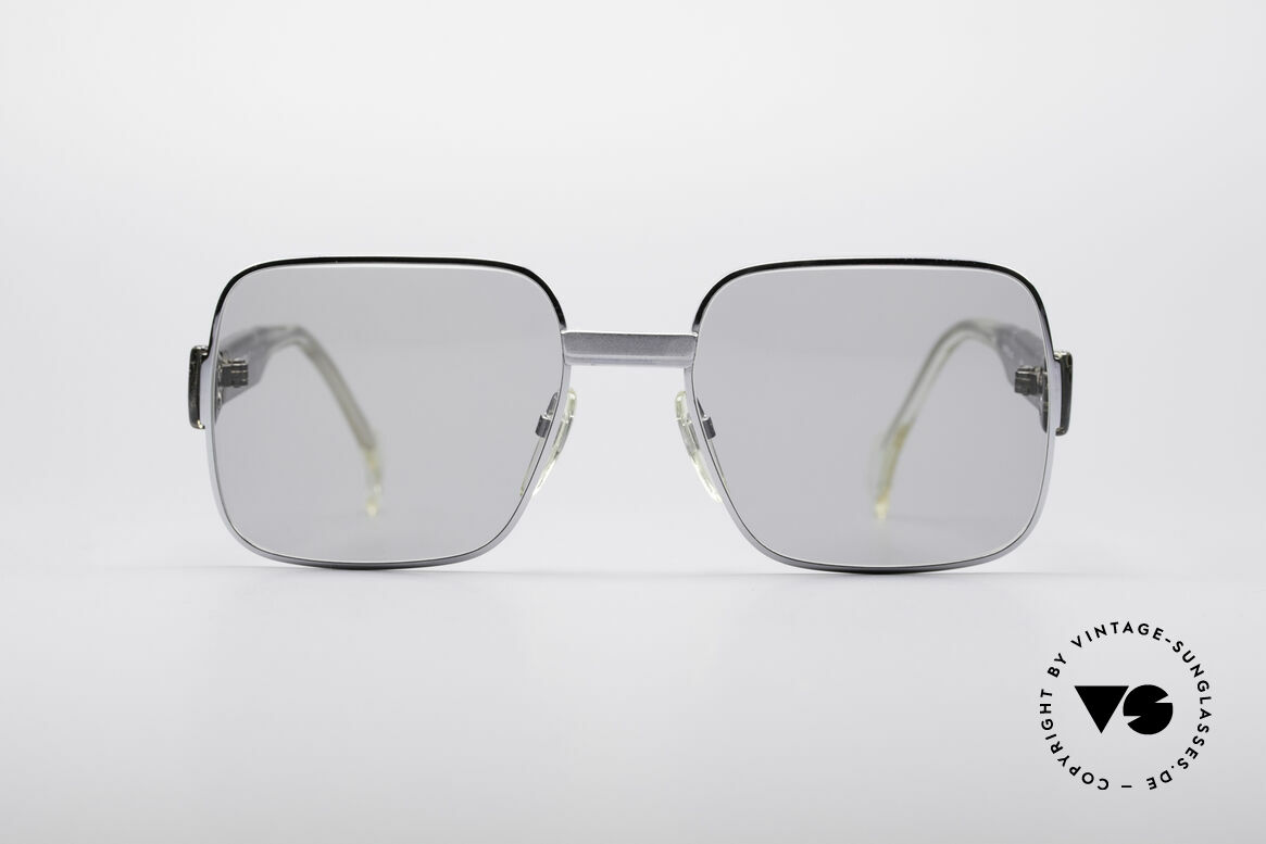 Neostyle Office 40 Old School Sunglasses, striking frame with grayish-transparent coloring, Made for Men