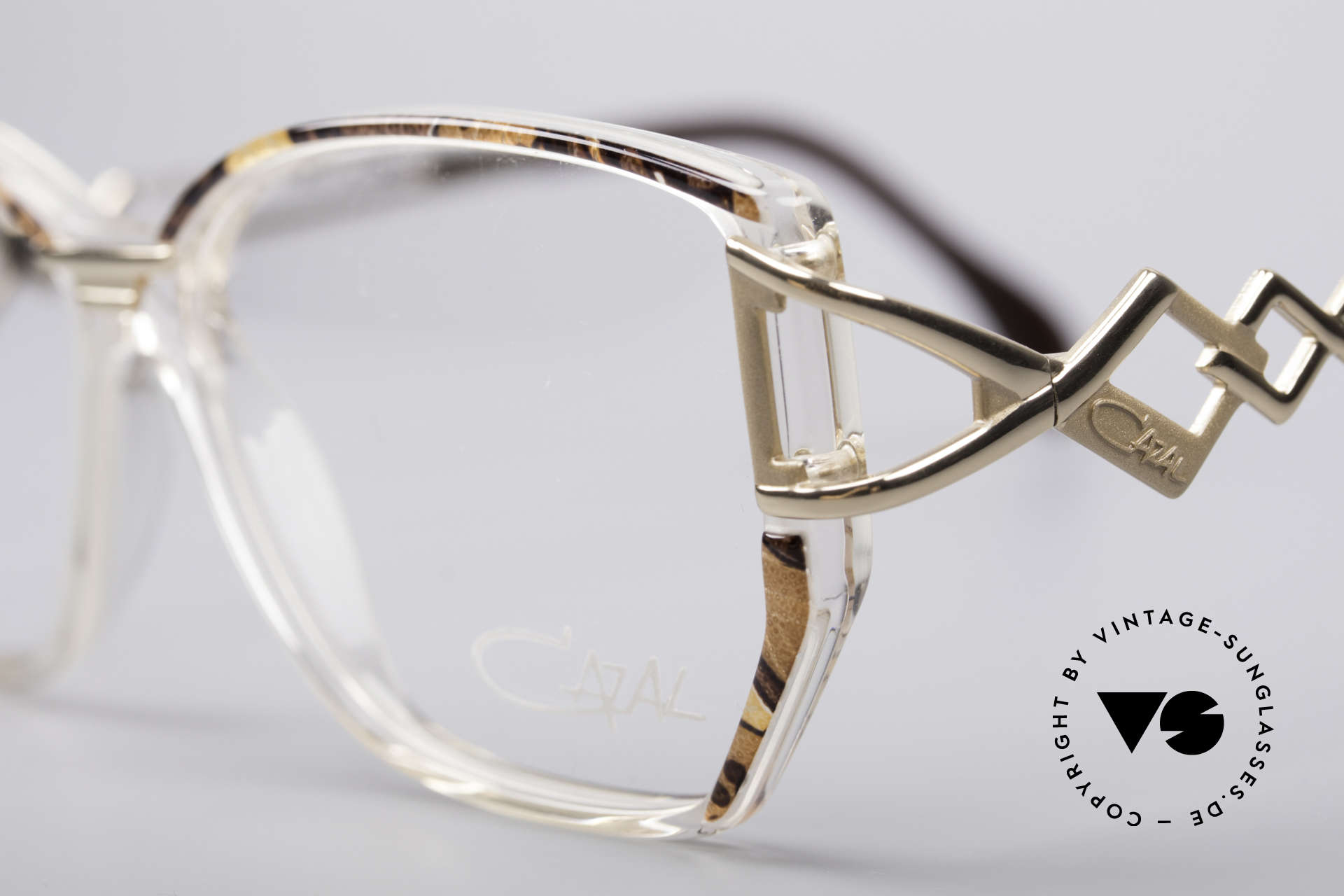 Cazal 367 90's Vintage Frame No Retro, best craftsmanship and accordingly very comfortable, Made for Women