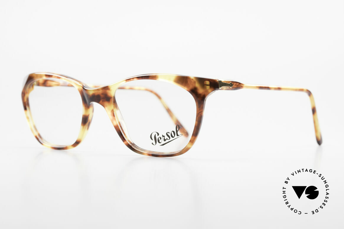 Persol 09194 Classic Vintage Frame 90's, great frame pattern: a kind of amber/tortoise, Made for Women