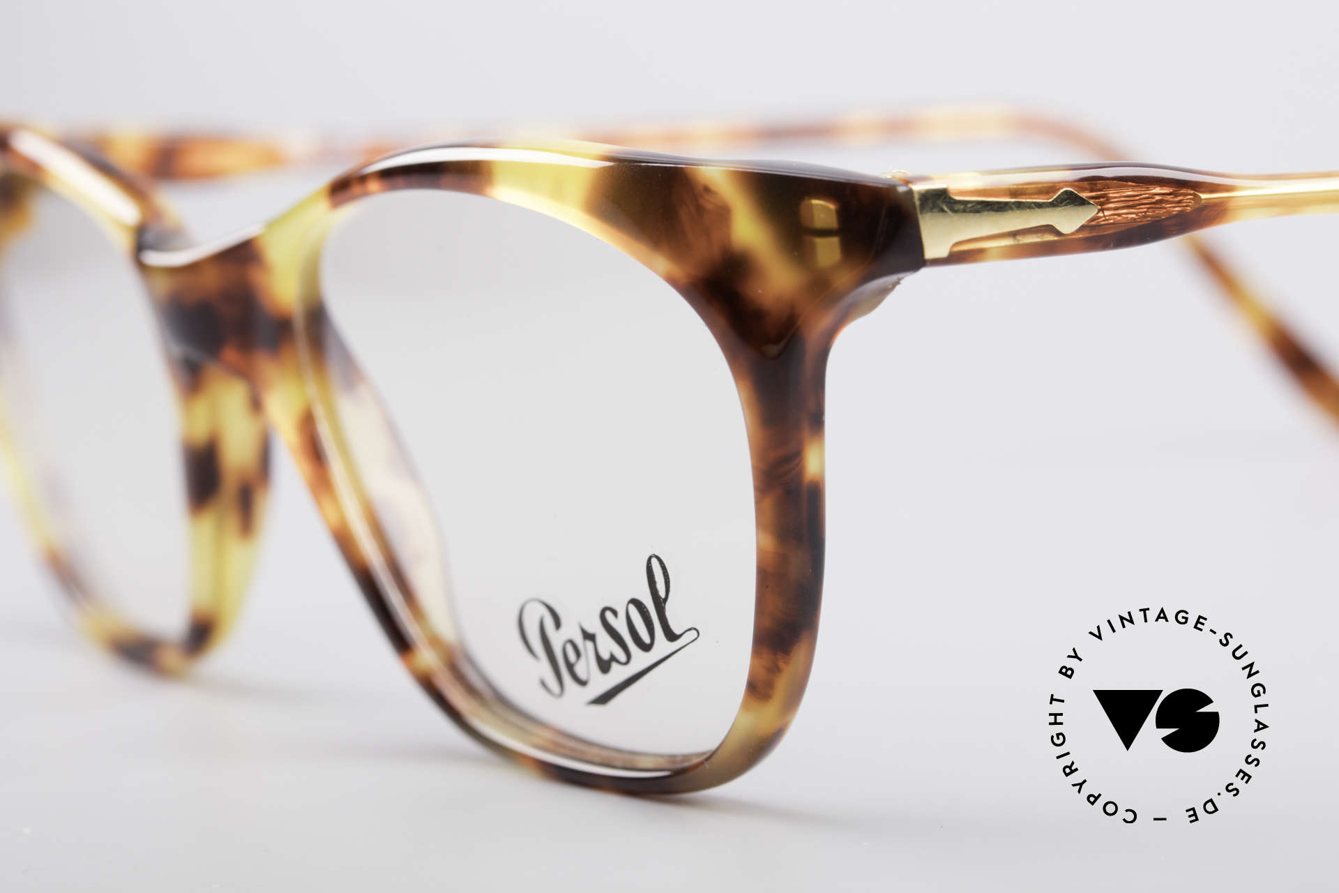 Persol 09194 Classic Vintage Frame, unworn (like all our vintage PERSOL glasses), Made for Women