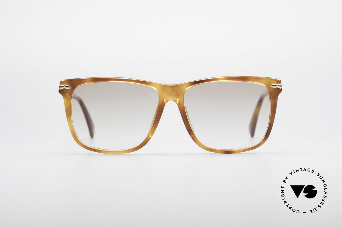 Gucci 1115 Classic 80's Sunglasses, timeless 1980's model with elegant frame color, Made for Men