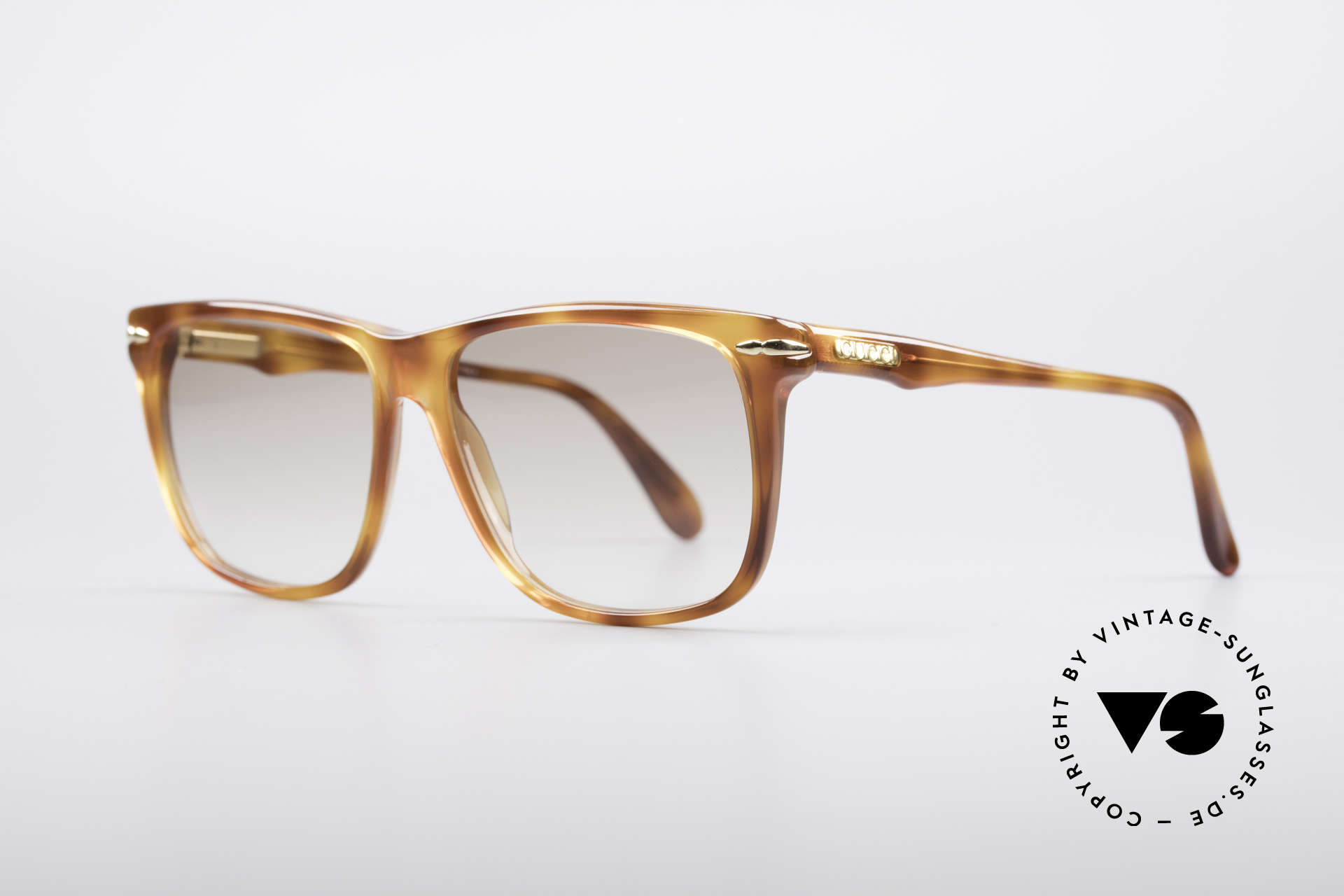 Gucci 1115 Classic 80's Sunglasses, 1. class comfort thanks to flexible spring hinges, Made for Men