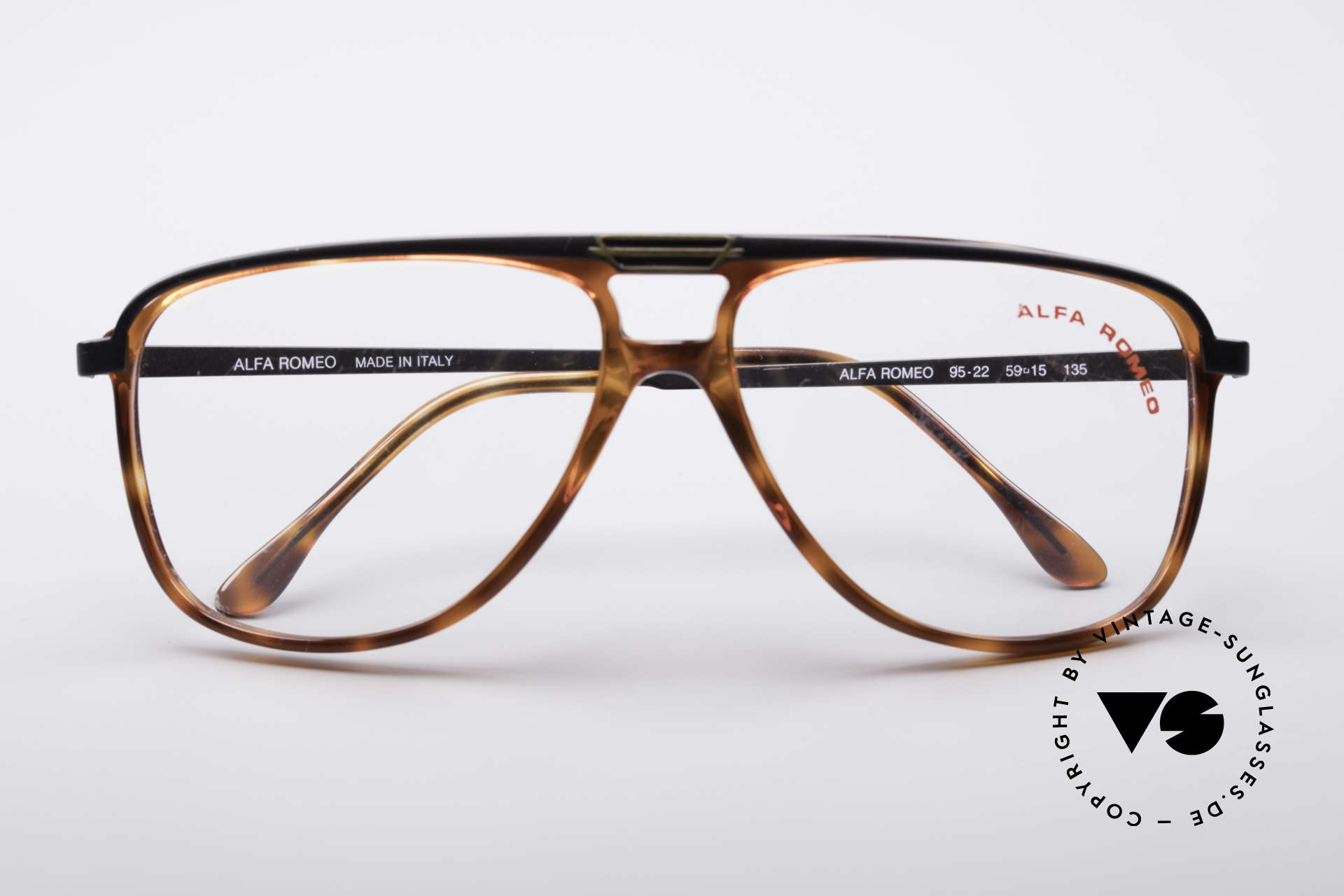 Alfa Romeo 95-22 Alfisti Vintage Frame, never worn (like all our rare 80's Alfa Romeo eyewear), Made for Men
