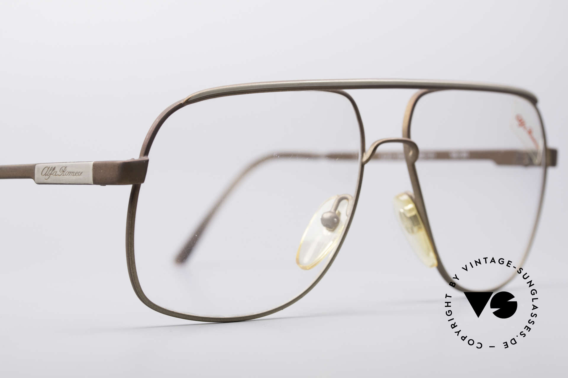 Alfa Romeo 882-21 80's Vintage Glasses, unworn (like all our rare 1980's ALFA ROMEO frames), Made for Men