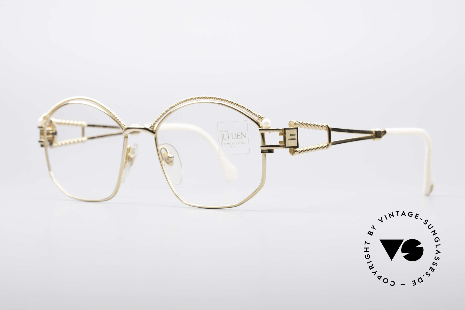 Henry Jullien Cizeta Jewellery Gold Frame, furthermore decorated with two real pearls, pure luxury, Made for Women