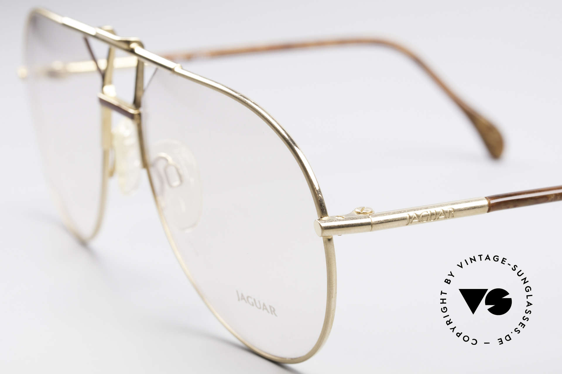 Jaguar 407 80's Luxury Accessory, unworn (like all our vintage men's eyeglasses), Made for Men