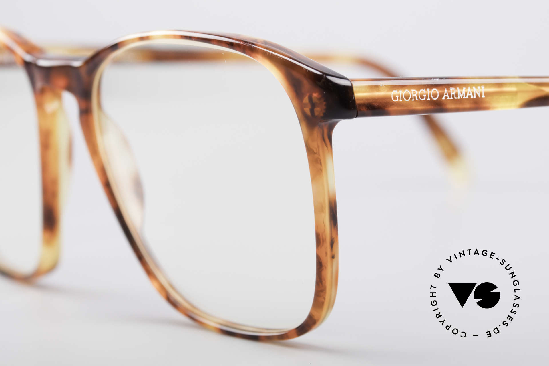 Giorgio Armani 328 True Vintage Glasses, frame is made for lenses of any kind (optical/sun), Made for Men