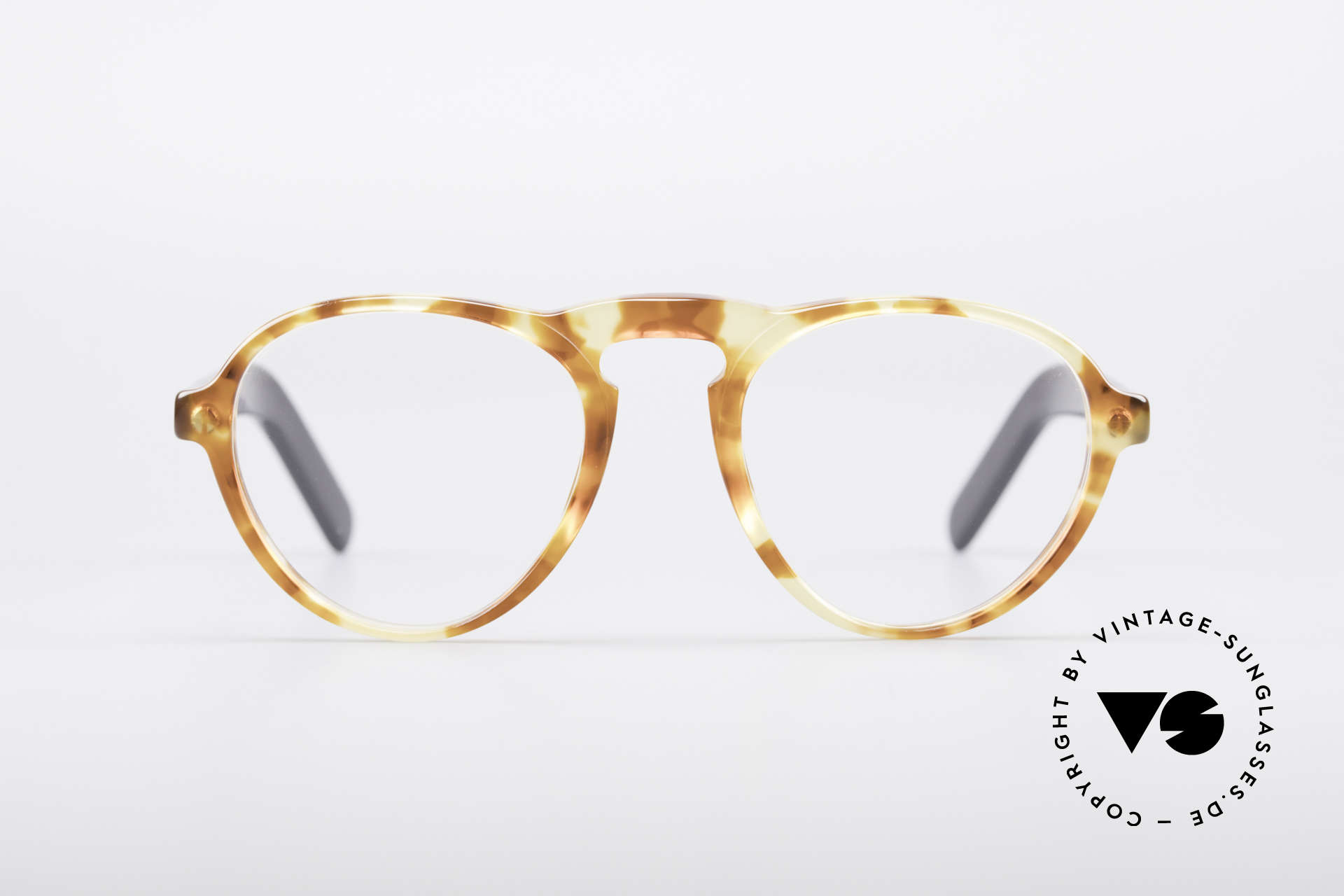 Giorgio Armani 315 True Vintage Eyeglass Frame, classic, timeless, elegant = characteristic of GA, Made for Men