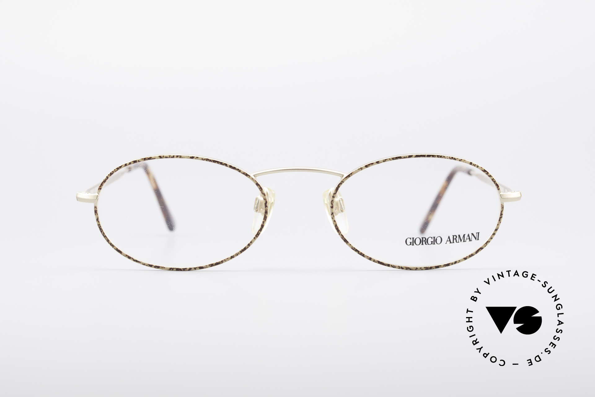 Giorgio Armani 125 Oval Vintage Frame, discreet oval metal frame in tangible top-quality, Made for Men and Women