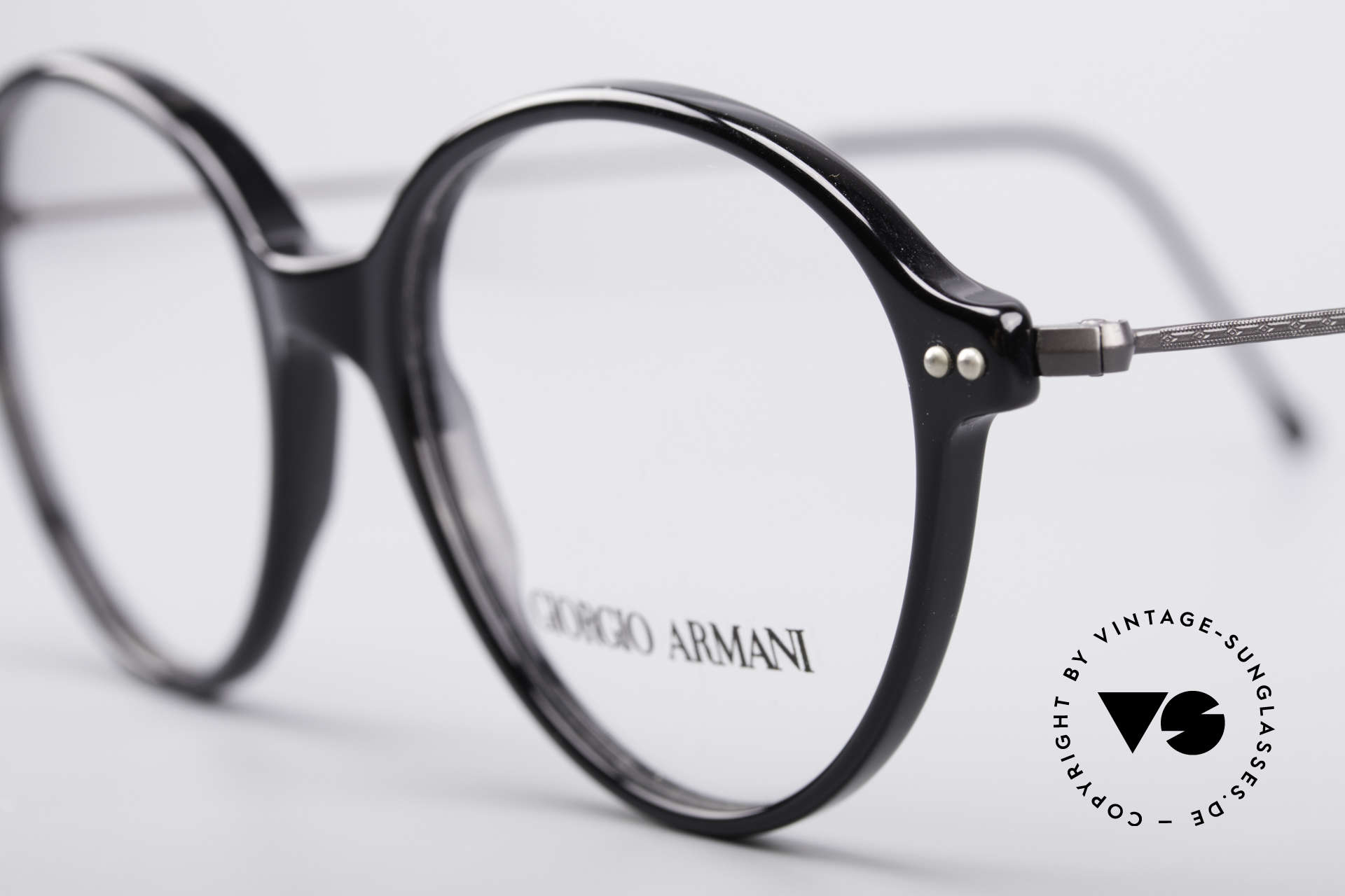 Giorgio Armani 374 90's Unisex Vintage Glasses, top quality and very comfortable (weighs only 9g), Made for Men and Women