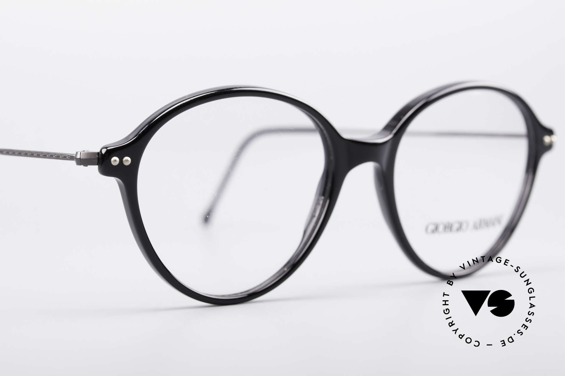 Giorgio Armani 374 90's Unisex Vintage Glasses, unworn Giorgio Armani original from the mid. 90's, Made for Men and Women