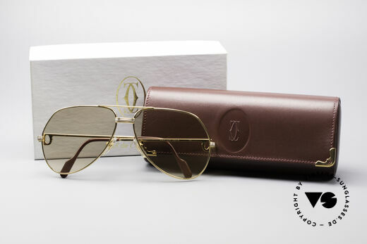 Cartier Vendome LC - L Mineral Lens With Cartier Logo, frame is mint; the lenses have two TINY SCRATCHES!, Made for Men