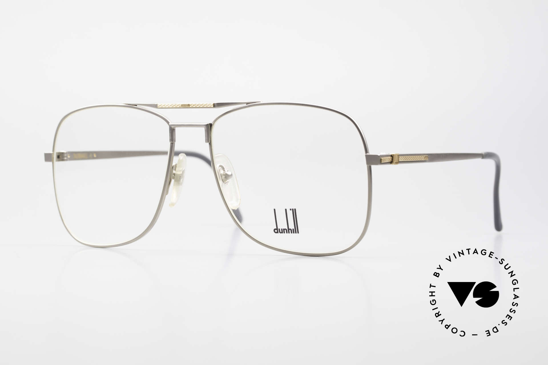 Dunhill 6038 18kt Gold Titanium Frame 80's, this Dunhill model is at the top of the eyewear sector, Made for Men
