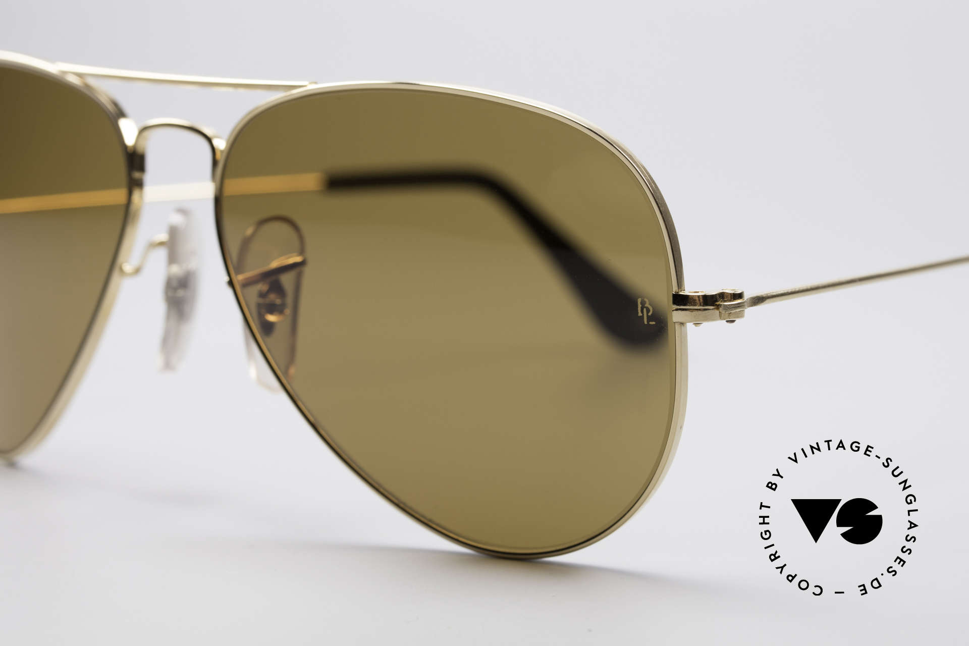 Ray Ban Large Metal Driving Chromax, B&L Chromax lenses (Color Contrast Technology), Made for Men and Women