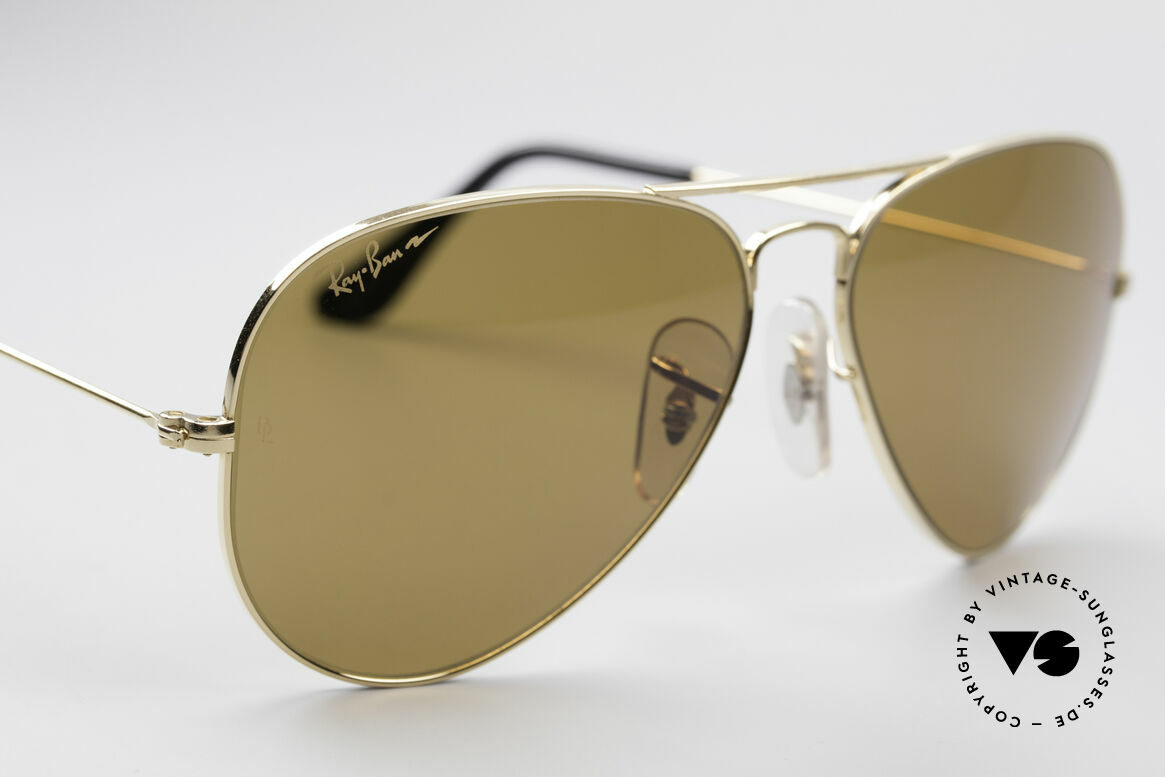 Ray Ban Large Metal Driving Chromax, never worn (like all our vintage Ray Ban eyewear), Made for Men and Women