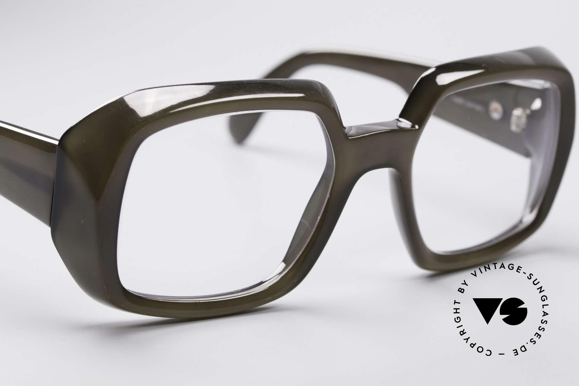 ViennaLine Royal 1601 Goliath Monster Specs, nevertheless, rather a MEDIUM size (130mm frame width), Made for Men