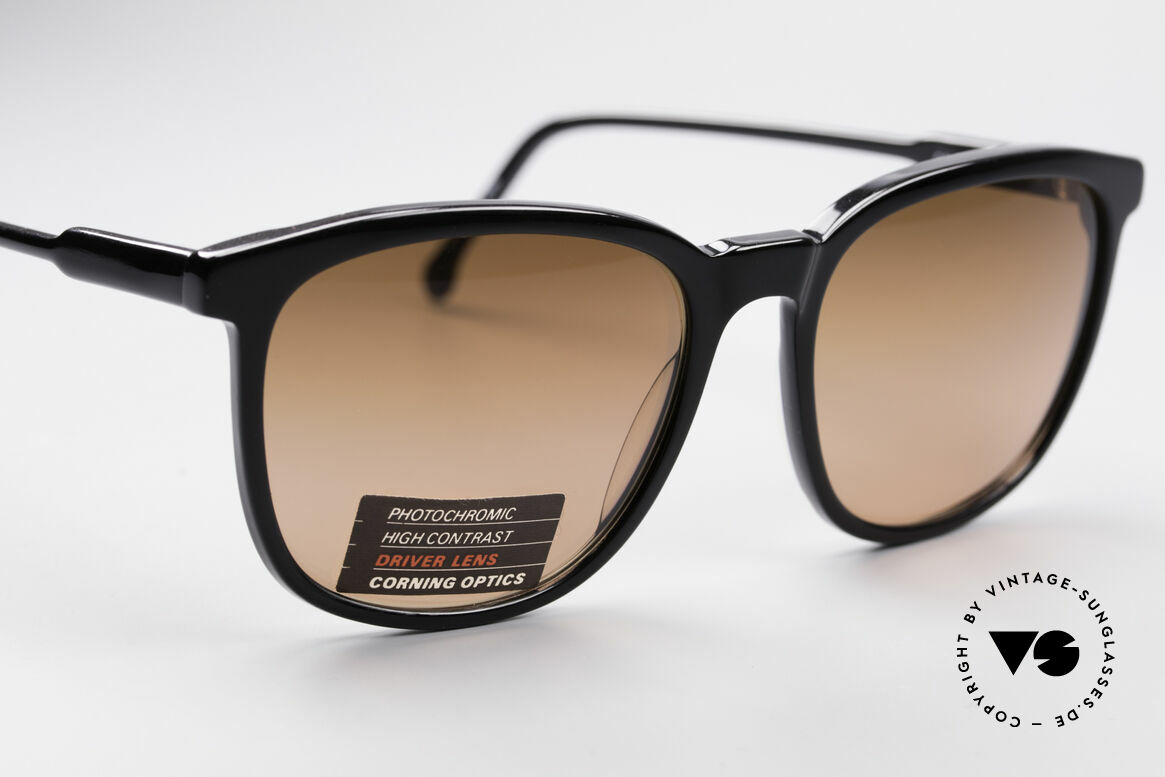 Serengeti Drivers 5343 Drivers Sunglasses, made by the innovation company CORNING Optics, USA, Made for Men and Women