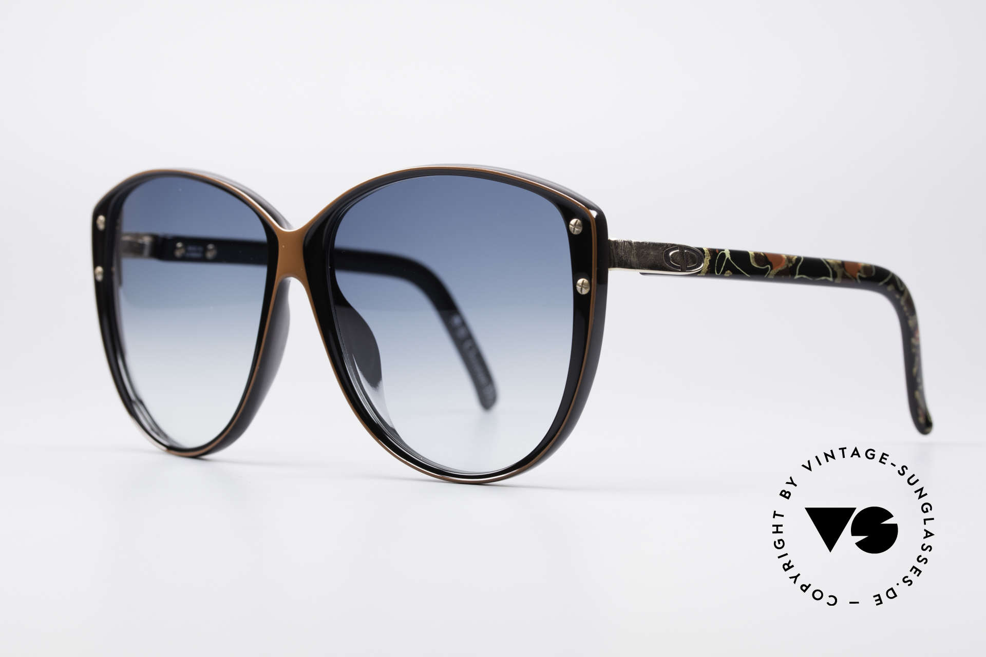 Christian Dior 2277 XL 70's Ladies Sunglasses, perfect 70's flair with floral pattern on the temples, Made for Women