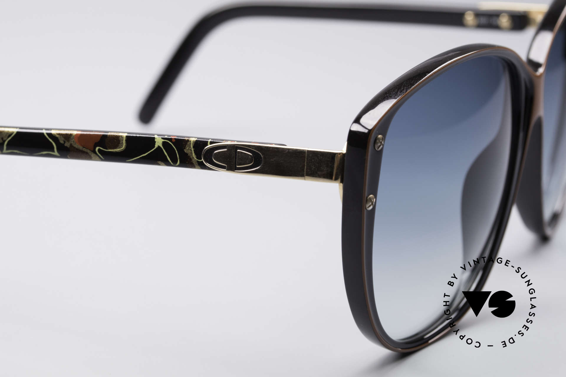 Christian Dior 2277 XL 70's Ladies Sunglasses, never worn (like all our vintage C. DIOR sunglasses), Made for Women