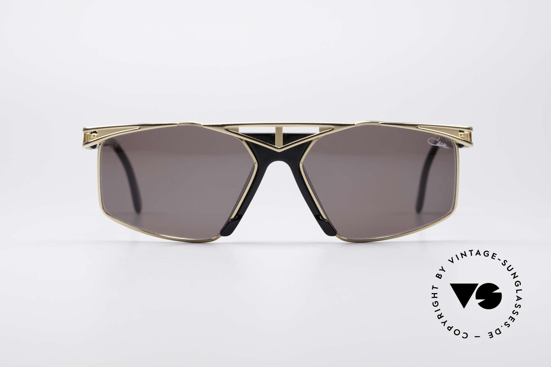 Cazal 962 Sporty Designer Shades, top wearing comfort thanks to 1st class craftsmanship, Made for Men and Women